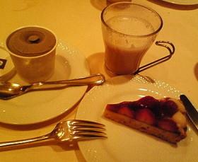 苺タルトとライス&ソイラテ