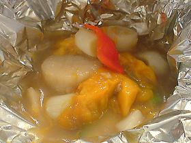 帆立の完熟マンゴー、韓国南瓜の銀包み焼き