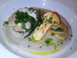 目抜鰈と地蛤、松茸のココット焼き 茸のソース