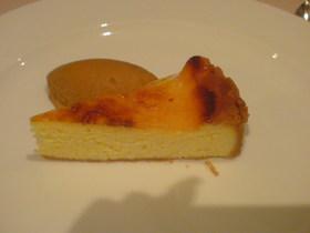 カッテージチーズケーキと塩キャラメルアイス