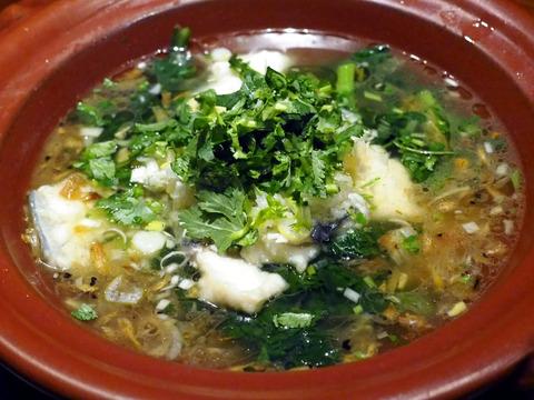 白身魚と春菊の土鍋仕立て