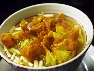 揚げワンタン麺