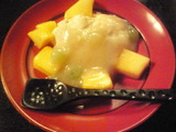 豆腐のカスタードとマンゴー デラウェアソース