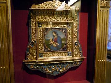 コネスタビレ聖母子像