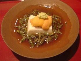 生海栗とじゅん菜ゴマ豆腐