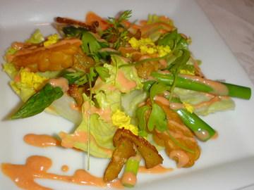 テンペのアスパラのサラダ オーロラソース