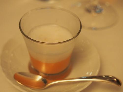 紅玉のスープとスプマンテのスプーマ