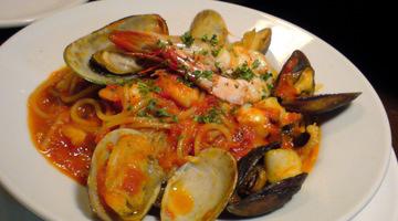 魚介のトマトソース