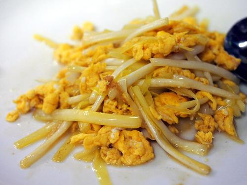 黄ニラと卵炒め