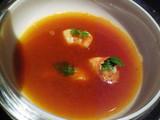 蟹のビスクスープが注がれ・・・