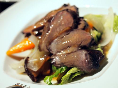 鴨胸肉の温製サラダ