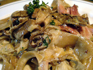 ポルチーニ茸と生ハムのパッパデルレ