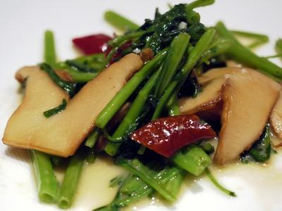 中国野菜の唐辛子ピクルス入り腐乳炒め