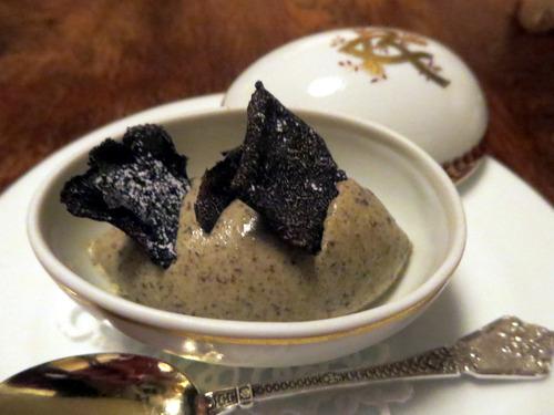 黒トリュフのアイスクリーム