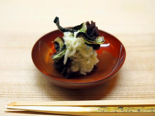 蕗の薹と百合根餡
