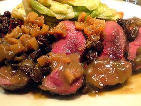 赤みの猪肉