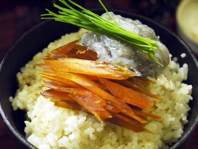 カラスミと生シラスの卵白炒飯