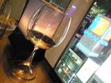 ワイングラスの足のフォルムが美しい