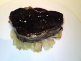 焦がしバターとサラワクペッパーの香り立つ常陸牛フィレ肉のグリエ