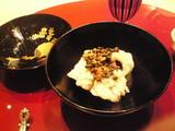 鱧の湯引き山椒の実とフォンドヴォー仕立て
