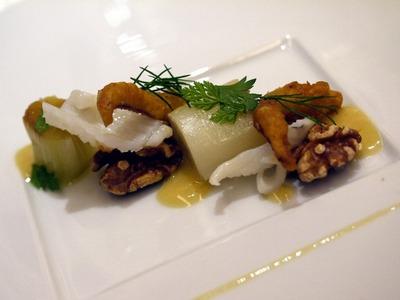 大分産スルメイカとポアロ葱 胡桃とヴィネガーソース