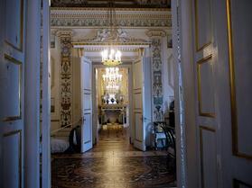 豪華な廊下と寄木