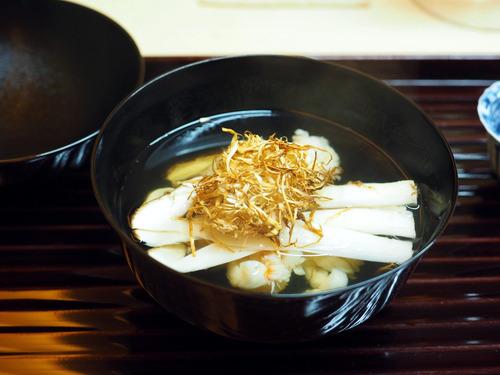 松茸と伊勢海老の椀