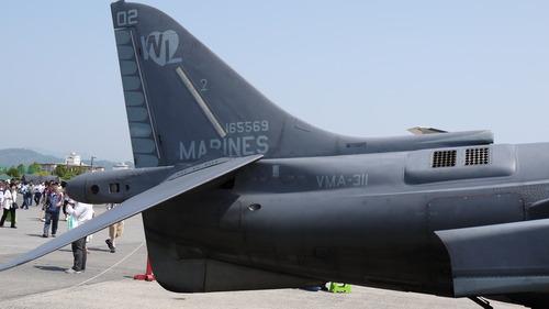 AV-8(2)