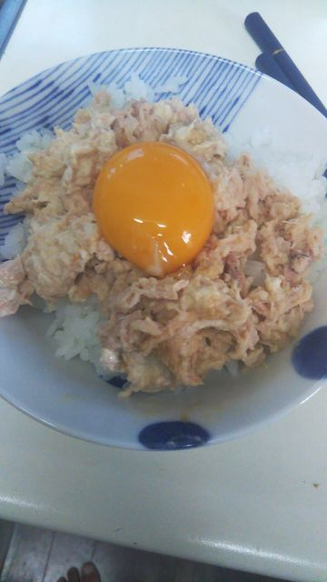 【画像】ニートワイ(32)の朝食……