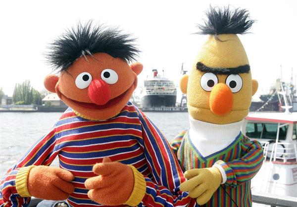 セサミ脚本家「じつはこの二人ゲイや」製作陣「変な事言うな!」脚本家「なんの問題ですか!?」泥沼化