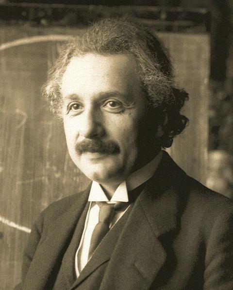 640px-Einstein1921_by_F_Schmutzer_2
