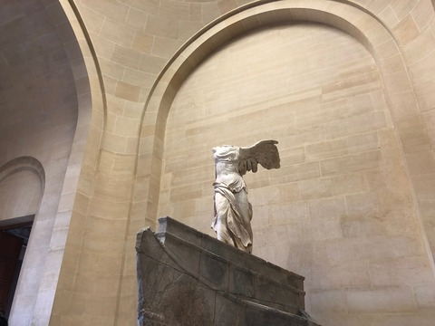 winged victory from close