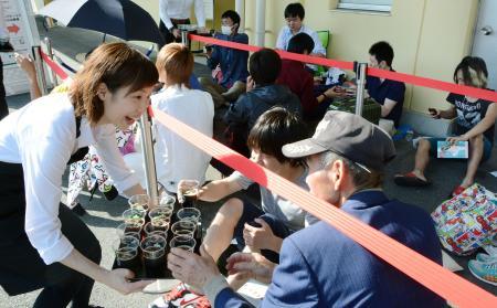 鳥取史上最大のイベントに長蛇の列