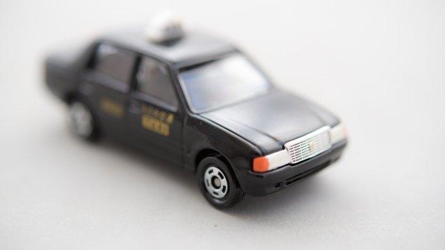 タクシー運転手「80代の婆さんが隣県の駅まで…妙だな…」→結果・・・