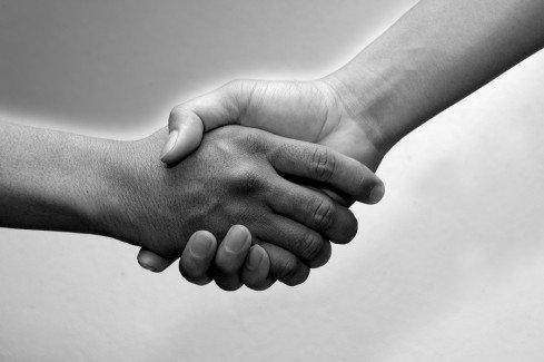 handshake-489x325