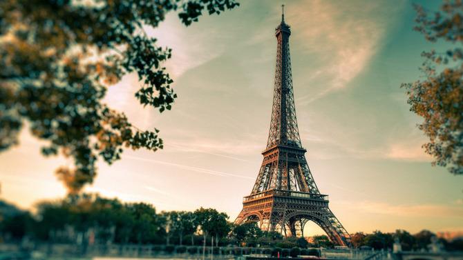 【悲報】ヨーロッパの美しい町並み、もうボロボロ・・  (画像あり)