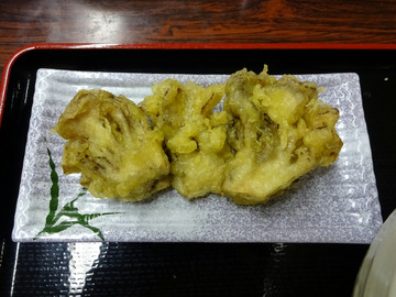 いずみ@甲斐大泉 (22)冷とろろそば670舞茸の天ぷら200