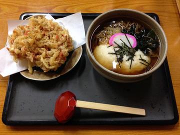 食事楽@沼田 (3)とろろそば650桜エビのかき揚げ300