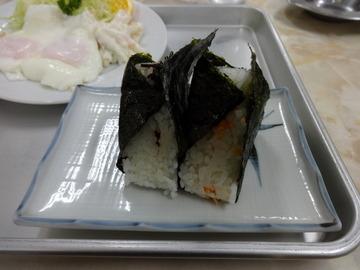 秀子@北春日部(10)たぬきそばおにぎりセット700目玉焼き330