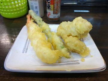 おにやんま@青物横丁(5)冷かけ並天ぷら470温泉卵60