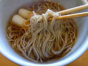 テーブルマーク@中央区 (10)麺棒一番かけそば100円前後