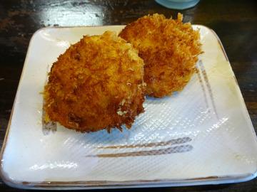 おにやんま@青物横丁 (1)餅入りカレーう600イカ野菜コロッケ120?