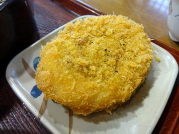 みとう庵@流通センター(5)鶏の立田揚げつけ汁蕎麦500コロッケ100