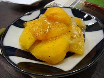 20171005蕎麦BAR HATARI@住吉 (13)柿のマリネサラダ380