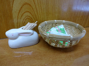 うさぎや@新橋 (3)冷かけ320春菊110ゆで卵70