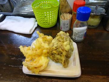 おにやんま@青物横丁 (2)蒸し鶏新玉食べラー冷う600舞茸天150