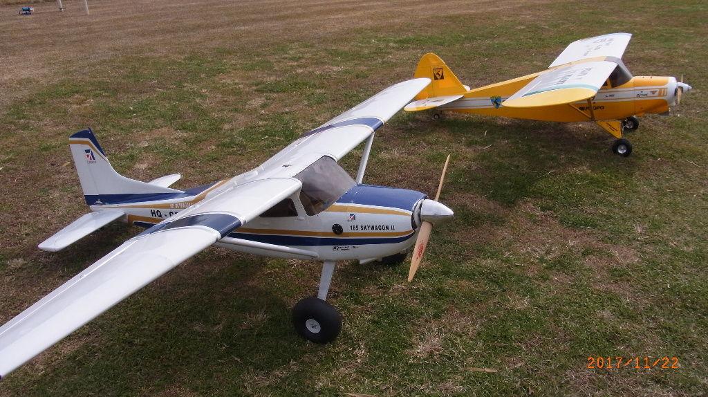 平日高翼機2機 : 文科系の機械いじり