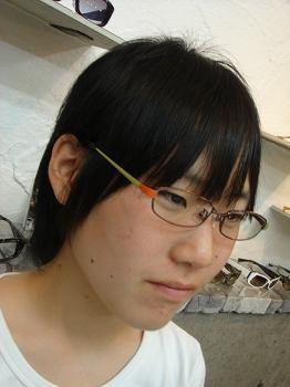 初めて掛けるメガネが