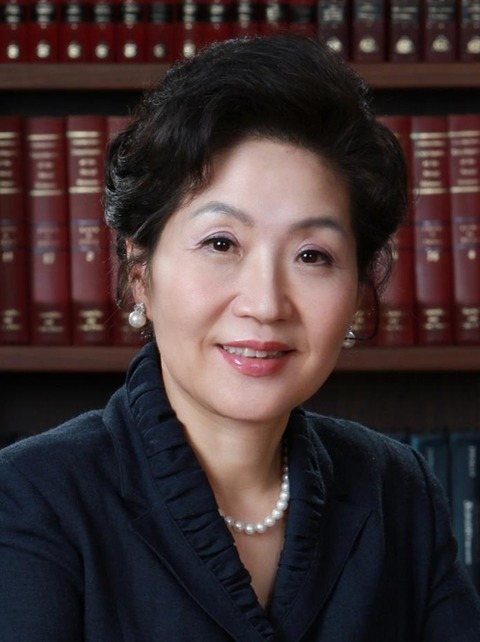 紙文化財団・世界折り紙連合理事長のノ・ヨンヘ氏、「韓国を輝かせた人物大賞」を受賞
