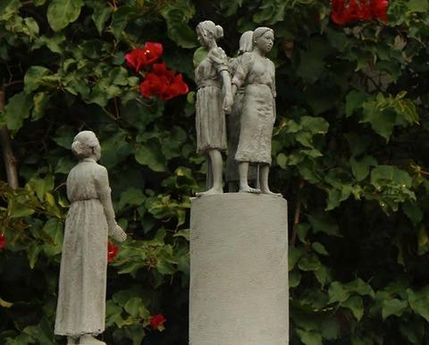 「13カ国、数十万人の女性と少女が引きずられて行った」~サンフランシスコ慰安婦碑の説明文確定